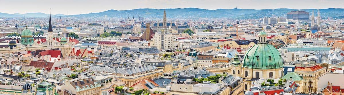 Imagen aérea de ciudad, parte de un proyecto de marketing turístico en Europa.
